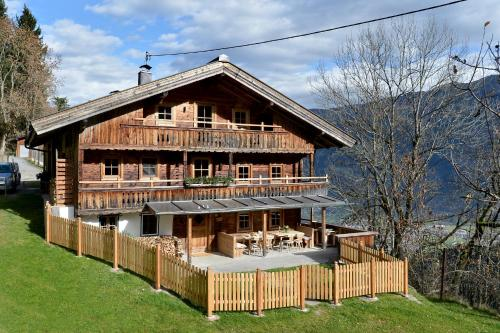 Bauernhaus&Appartement Goldschmied - Apartment - Fügen