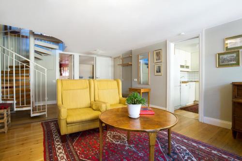 Lady Hamilton Apartments photo 15