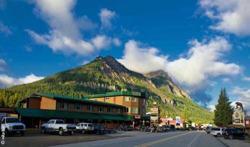 Soda Butte Lodge - Accommodation - Cooke City