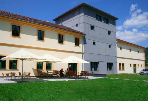 . Hotel SRC Lihovar