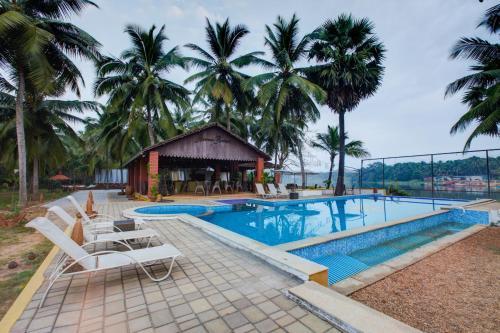 Hotel Riverroost Resorts