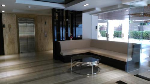 Ten Ekamai Suites by Aspira photo 10