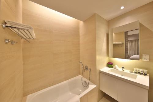 Pan Pacific Serviced Suites Beach Road photo 32