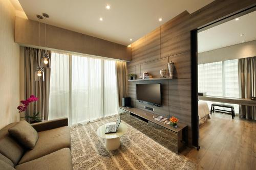 Pan Pacific Serviced Suites Beach Road photo 40