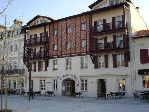 . Hôtel-Restaurant de La Paix