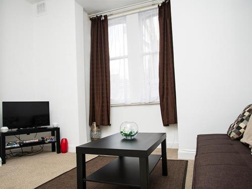 Avenue Apartment photo 5