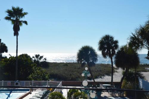 Johns Pass Beach Motel
