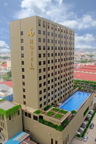 I Hotel Baloi Batam impression