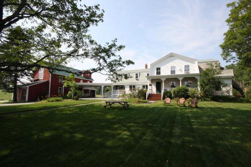 . Maple Hill Farm Inn