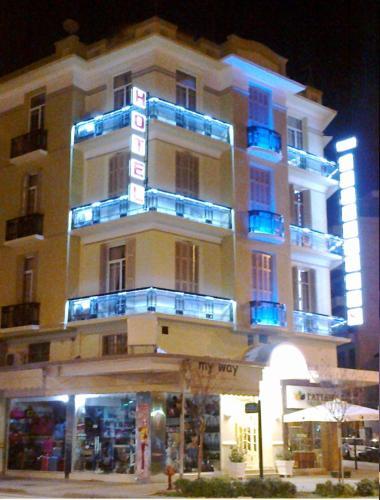 . Metropolis Hotel
