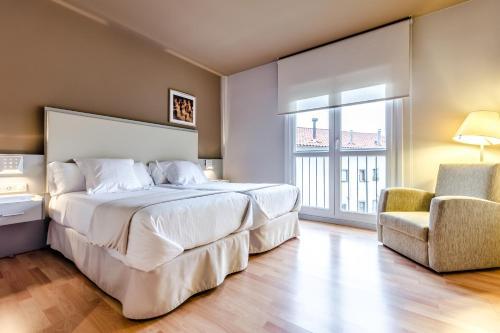 Double or Twin Room - single occupancy Hotel Nagusi 8