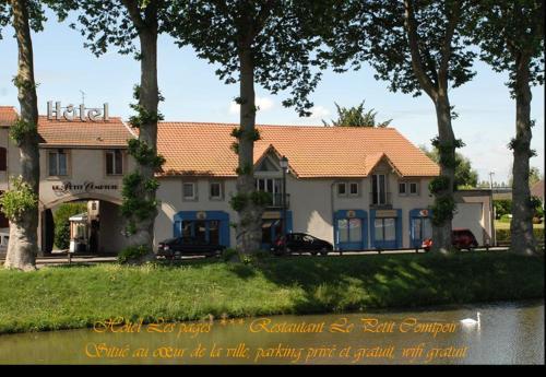 . Logis Hôtel Les Pages