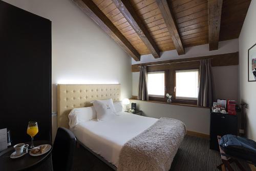Habitación Confort Hotel Dolarea 5
