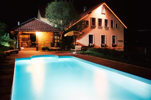Penzion Family - Hotel - Svoboda nad Úpou
