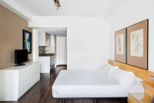 Barcelona Apartment Aramunt photo 24