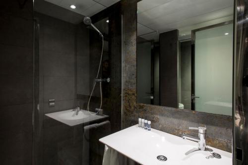 Barcelona Apartment Aramunt photo 28