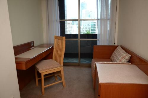 Deluxe Two-Bedroom Apartment (4-5 Adults)