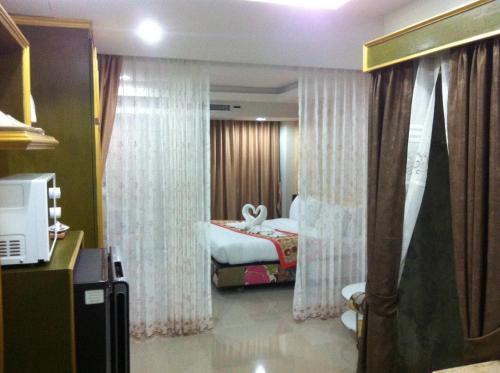 Pratunam Casa Hotel photo 10