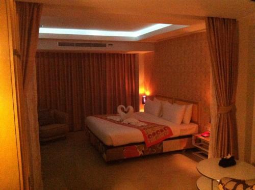 Pratunam Casa Hotel photo 14