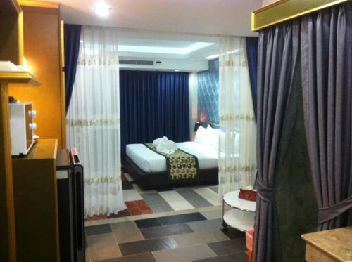 Pratunam Casa Hotel photo 16
