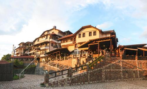 Хотел Манастир Берово