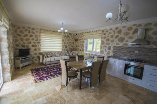 Kalkan Villa Turkmen tek gece fiyat