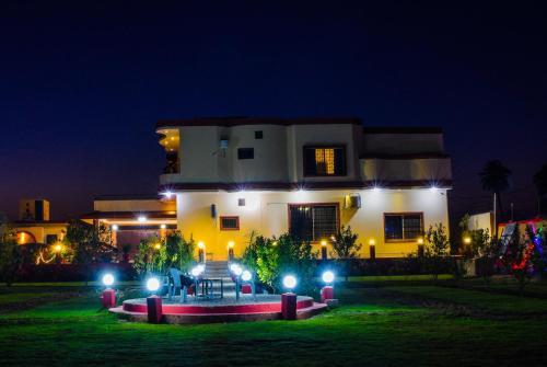 . Arabian Lodges