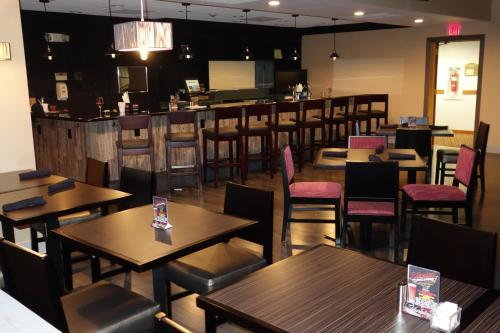 Ramada By Wyndham Clarion - Clarion, PA 16214
