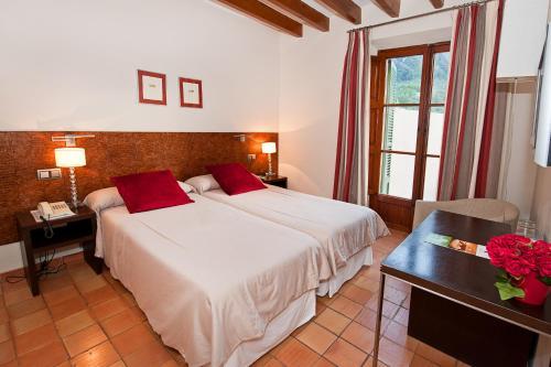 Twin Room - single occupancy Hotel Des Puig 8