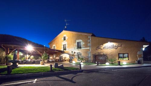 . Hotel Larrañaga
