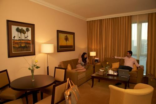Al Manzel Hotel Apartments photo 38