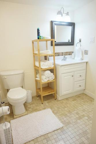 2 Bedroom Suite In Ideal Location - Edmonton, AB T5M 2M9