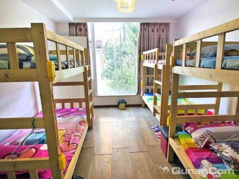 Mainland Chinese Citizen - Bunk Bed in Male Dormitory Room (Mainland Chinese Citizen - Bunk Bed in Male Dormitory Room )