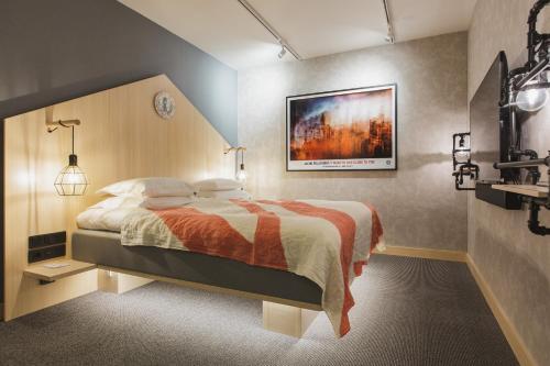 HotelHotel With Urban Deli