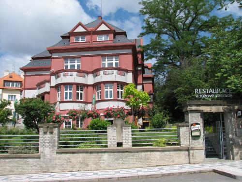 Hotel Villa - image 6