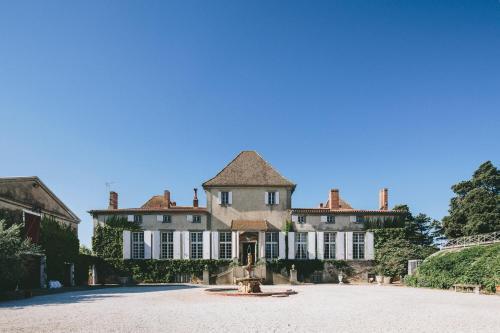 . Chateau de Paraza