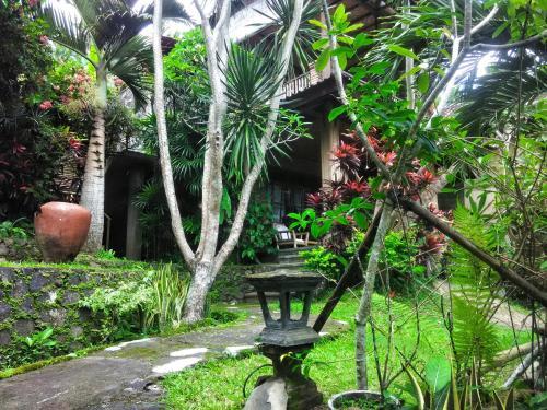 Puri Sawah Bungalows And Restaurant