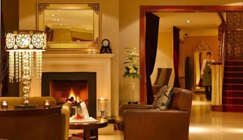 . Brook Lane Hotel
