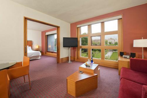 Rooms: Meliá Bilbao Hotel Review, Spain