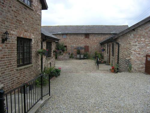 . Thompsons Arms Cottages