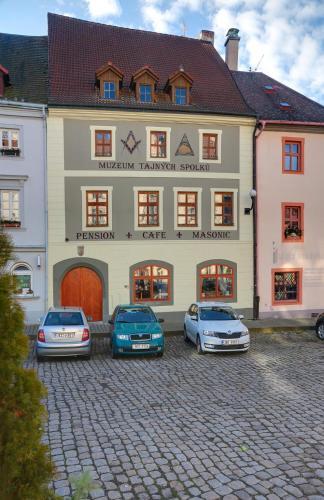 . Pension Masonic House