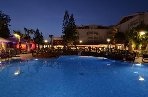 Side Side Resort Hotel odalar