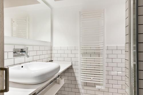 Midtown Luxury Apartments photo 19