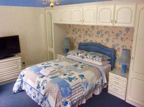 Tanamara Guest House - Clayworth