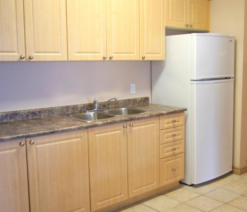 Best Price on Hotel Laurier - Apartment Style Residence in