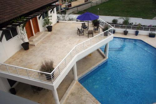 Three Bedroom Apartment with Pool View