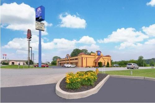 . Crossroads Inn
