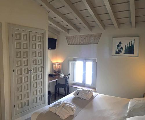 Double Room - single occupancy Hotel Boutique Casas de Santa Cruz 32