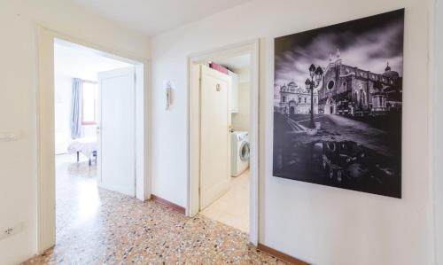 Dorsoduro 1420/E, 30123 Venice, Italy.