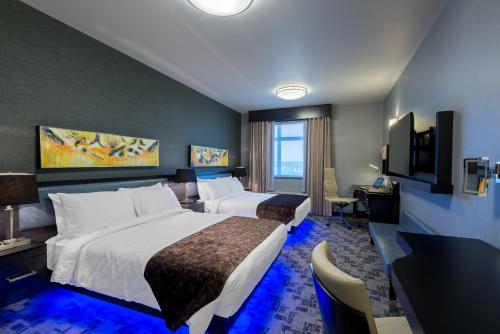 Applause Hotel Calgary Airport by CLIQUE - Calgary
